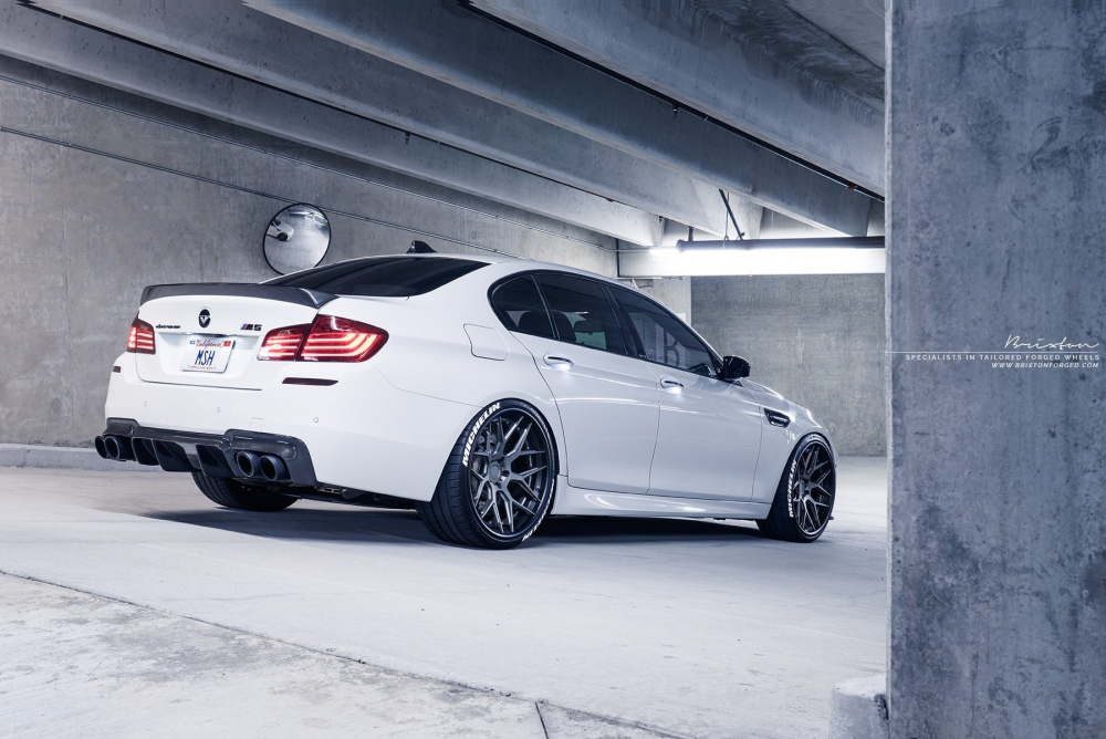 brixton-forged-white-bmw-f10-m5-brixton-forged-cm8-targa-series-forged-wheels-21-inch-3-piece-concave-black-kingsport-grey-12-1800x1201.thumb.jpg.761227bb3657e722db8ad81a3d7bcb38.jpg