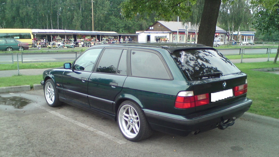 BMW-5-series-540i-1990-10.jpeg