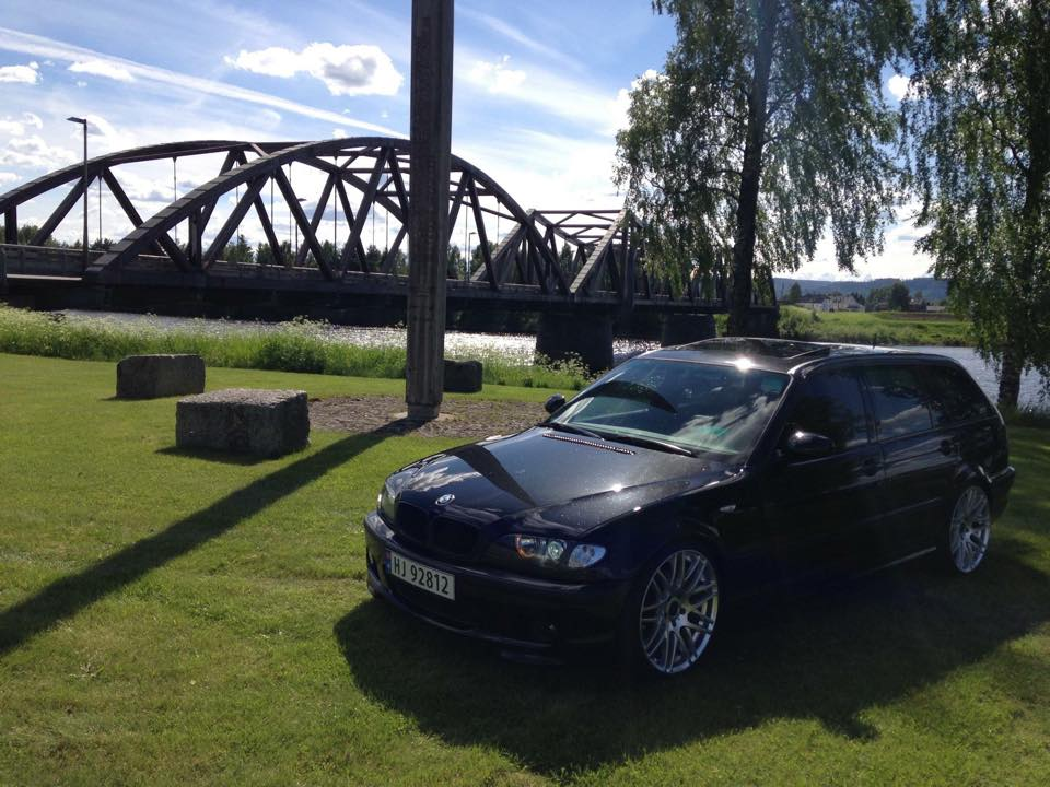 2003 BMW 3-serie E46 320D Mtech.jpg