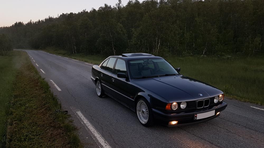 BMW.thumb.jpg.9051e99b01777e4e7366f064e40d60f4.jpg