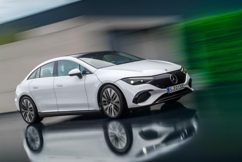 Mercedes-EQE-21.thumb.jpg.d95e1a15227517f1d1f67cdb0fa05027.jpg