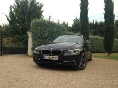 2015 320d xDrive Touring (Sport), front