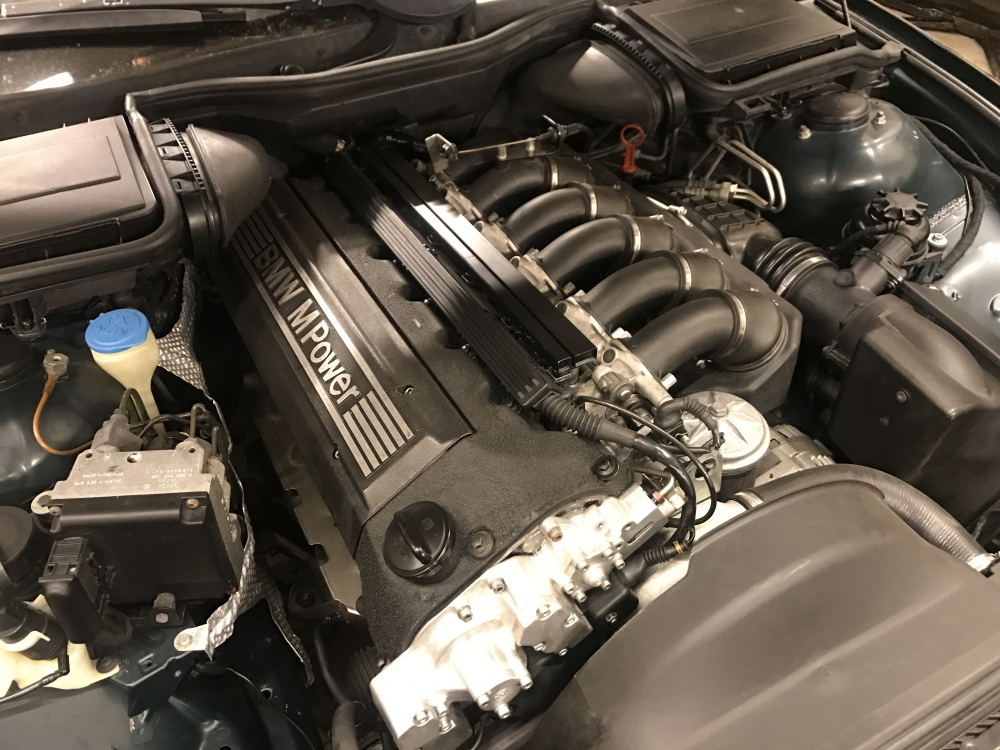 Motor_montert.thumb.jpg.53826c517ae211bd67a194ada3bd19eb.jpg