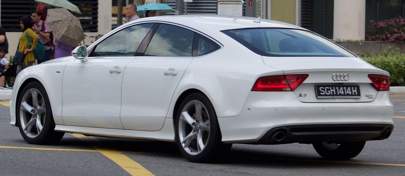 2011_Audi_A7_(4G)_3.0_TFSI_quattro_hatchback_(2016-01-07)_02.jpg