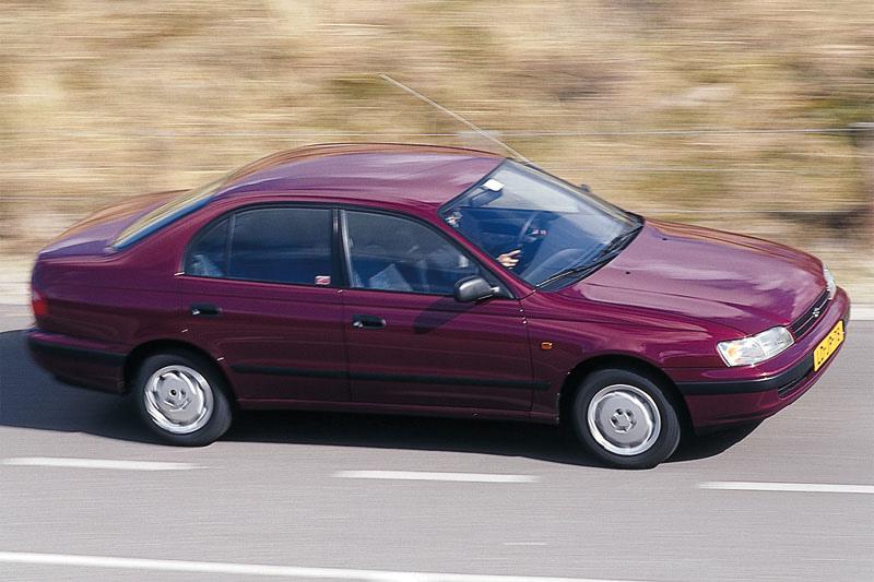 Toyota-Carina-E-1995-1.jpg